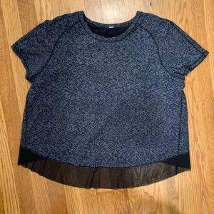 Lululemon open back black patterned shirt